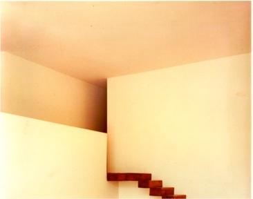 Detalle de la escalera en el estudio de Pedro Coronel. 1970