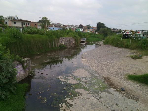Av malecon y arroyo El Rosario, vista hacia el nor-poniente