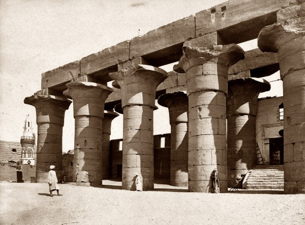 Sala Hipóstila del Templo de Karnak en Luxor. Egipto.