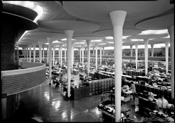 Sala Hipóstila en el edificio de la compañía Johnson Wax de Frank Lloyd Wright